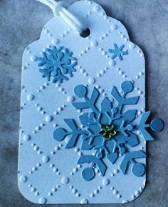 Stacked Snowflakes using Lawn Fawn Mini Snowflakes and Sizzix Snowflakes #3.
