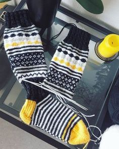 Marimekko Fabric, Yarn Projects, Knitting Accessories, Drops Design, Knitting Socks, Leg Warmers, Knitting Patterns, Knit Crochet, Clothes For Women