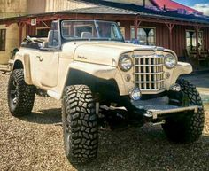 Sweet old school jeep Jeep Pickup, Jeep Truck, Pickup Trucks, Ford Trucks, Old Jeep, Jeep Cj, Vintage Jeep, Vintage Trucks, Four Door Jeep