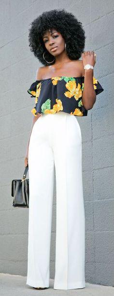 """Apertem os cintos que 2017 vai trazer um montão de novidades bacanas no assunto """"calças"""", pessoal! Definitivamente o reinado absoluto das calças skinny acabou, e agora é a vez dos modelos mais soltinhos bombarem! Falei do mom jeans aqui em um post em dezembro e mostrei diversos looks inspiradores, vocês se lembram, né? E agora … Continue lendo """"10 ideias de looks incríveis de verão com pantalonas"""""""