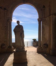 Porta del sole.  Villa Cimbrone Ravello.  Amalfi coast