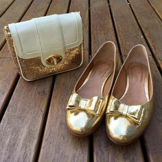 Marie Gold - Leather handmade ballerina. Golden grain leather with double knott in the same material. Sole with 1cm heel height. Handcrafted in Buenos Aires, Argentina. International shipping available