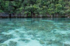 Este arquipélago de 1.500 ilhas é ideal para um casal de aventureiros. Para quem gosta de mergulhar, os recifes de coral e a diversidade marinha farão com que o local pareça um verdadeiro paraíso. – Foto: flickr.com/ratha/15784416140/