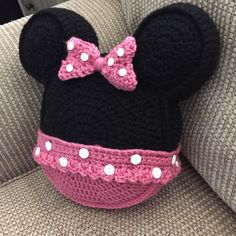 Made to order Crochet pillow Minnie Mouse inspired icon mouse ears toss pillow throw pillow Crochet Home, Crochet For Kids, Crochet Baby, Crochet Cushions, Crochet Pillow, Diy Bag Designs, Crochet Christmas Gifts, Christmas Pillow, Crochet Gifts