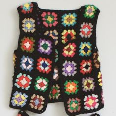 Granny Square Crochet Vest Tie Front by on Etsy Crochet Waistcoat, Crochet Jumper, Crochet Vest Pattern, Crochet Coat, Crochet Jacket, Crochet Granny, Crochet Clothes, Crochet Stitches, Crochet Patterns