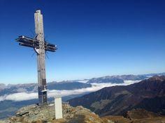 Wanderung zum Gipfel des Gilfert auf 2.506 Metern Seehöhe. Am Gipfel angekommen erwartete unsere Wanderer ein atemberaubender Ausblick.