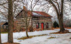 Antique Log Homes - Bing images Log Cabin Living, Log Cabin Homes, Log Cabins, Snow Cabin, Winter Cabin, Log Cabin Exterior, Stone Houses, Wood Houses, Farm Houses