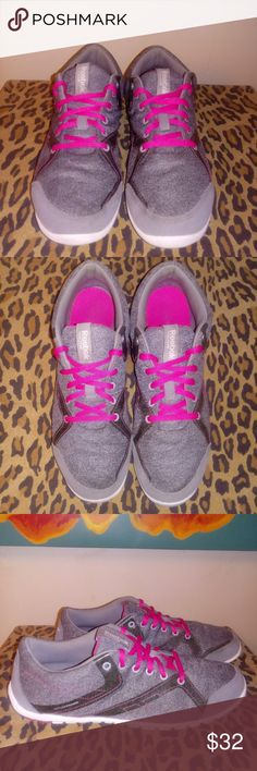a80b7852239 Women s Pink and Gray REEBOK Shoes Sz8 Gently worn Reebok shoes in great  condition. Some