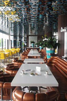 KAŞIBEYAZ Bosphorus Restaurant, Istanbul designed by Eren Yorulmazer Design Turkish Restaurant, Deco Restaurant, Restaurant Lighting, Restaurant Lounge, Restaurant Interior Design, Bar Lounge, Cafe Interior, Interior And Exterior, Restaurant Interiors