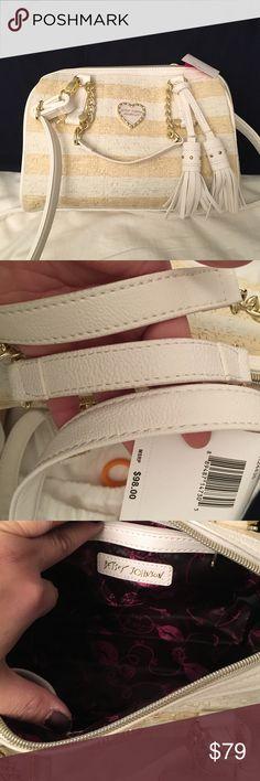 NWT Betsey Johnson straw barrel bag Medium sized. Brand new. Has crossbody strap. Gold hardware. Betsey Johnson Bags Crossbody Bags
