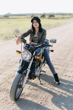 Lady Biker, Biker Girl, Biker Baby, Cycling Girls, Motorcycle Girls, Scooter Girl, Hot Bikes, Biker Chick, Classy Women