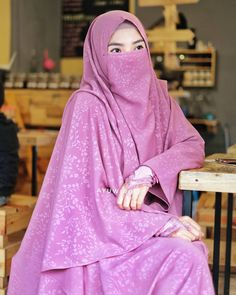 Hijab Dress, Muslim Dress, Jheri Curl, Hanging Hats, Niqab Fashion, Face Veil, Bleach Blonde, For Your Eyes Only, Strawberry Blonde