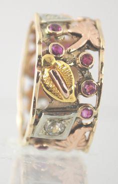 This Vintage Ring is so unusual