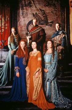Beautiful costumes and set from The Mists of Avalon. However lovely, this film failed to portray the book I hold sacred. Renaissance Costume, Medieval Costume, Medieval Dress, Medieval Fantasy, Die Nebel Von Avalon, Larp, Michael Vartan, Mists Of Avalon, Kino Film