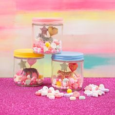 If you're looking for a cute twist on a valentine, we made these candy terrarium gifts perfect for teachers, co-workers, or anyone who makes your heart swell! ( link in bio!)