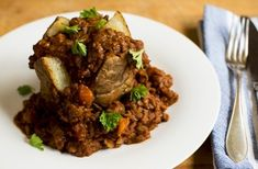 Beef and lentil chili hotpot