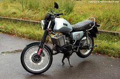 MZ ETZ 251 - Motorrad, Zweirad - Hersteller: VEB Motorradwerke Zschopau, DDR (IFA) - fotografiert zum MZ-Treffen in Wünsdorf/ Waldstadt am 08.09.2012 - Copyright @ Ralf Christian Kunkel