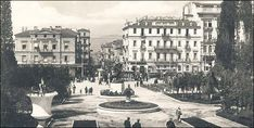 Sintagma square view from Othon΄s Palace, (today΄s Parliament) Old Time Photos, Old Pictures, Greek Culture, Good Old Times, Athens Greece, Where The Heart Is, Once Upon A Time, Olympia, Paris Skyline