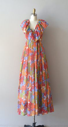vintage 1970s floral maxi dress / 70s maxi dress / by DearGolden, $85.00