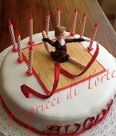Oltre 1000 idee su torte ginnastica su pinterest toppers for Decorazione torte ginnastica ritmica