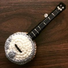 I made this little banjo. I'll show you it in action soon along with the cello and a guitar.  . . #amigurumi #crochet #craftyiscool #banjos #banjo