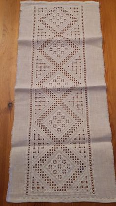 Bohemian Rug, Crafts, Home Decor, Hardanger Embroidery, Embroidery, Manualidades, Decoration Home, Room Decor, Handmade Crafts