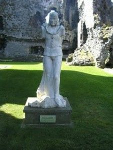Richard III Statue at Middleham