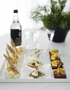 an adorable hors d'oeuvres tray, via moodboard