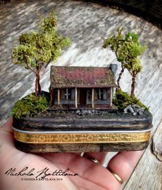 Pixie Hill: The Evil Dead Altered Altoid Tin ***2 of these will be for sale at her etsy shop later this week, squee!!!!*** https://www.etsy.com/shop/PixieHillStudio