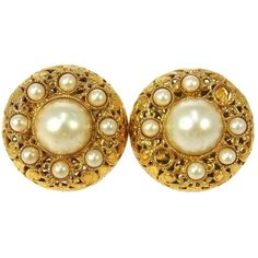 Pre-owned  Chanel Vintage Cc Gold Button Imitation Pearl Earrings... ($266) ❤ liked on Polyvore featuring jewelry, earrings, accessories, gold, fake pearl jewelry, chanel, white jewelry, pandora jewelry and chanel jewelry