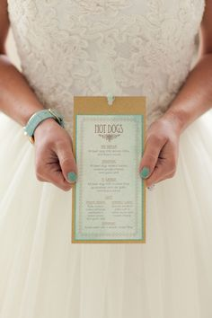 Gold + Mint Wedding Inspiration | Photo: Kelly Benton
