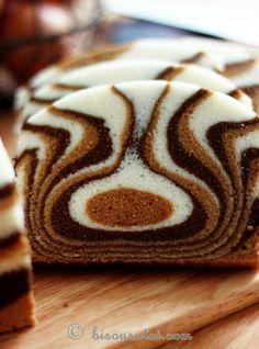 Gâteau zébré aux blancs d'oeufs, vanille (ou rhum), chocolat, café. Cuisson vapeur. En anglais. - Zebra steamed egg white cake
