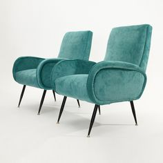 Italian mid-century blue velvet armchairs, set of 2 мебель для дома, Mid Century Chair, Mid Century Furniture, Bauhaus Furniture, Vintage Office Chair, Office Chairs, Lounge Chairs, Armchairs For Sale, Leather Recliner Chair, Patterned Armchair