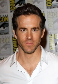 Ryan Reynolds and the Green Lantern light up Comic-Con