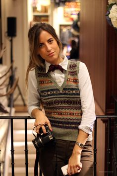 preposity: Fashion Night Out, en el Rugby Ralph Lauren Queer Fashion, Androgynous Fashion, Tomboy Fashion, Look Fashion, Sweater Vest Outfit, Vest Outfits, Sweater Vests, Wool Vest, Vest Coat