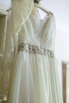 blog-novias-beatriz-alvaro-vestidos-novia-alta-costura-madrid- fotos-volvoreta-bodas- bordados-novias