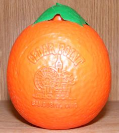 Novelty Oranges that you drink from ,,,The ones we used to get were more realistic than this one, minus the logo.the leaf looked more real and there was a straw.I used to love it when my Mom would get me one. 1980s Childhood, Childhood Days, Cedar Point Ohio, Vintage Toys, Vintage Stuff, I Have Forgotten, To My Mother, Fruit Drinks, Good Ole