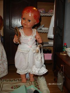 Poppenlingerie Old Dolls, Vintage Dolls, Doll Toys, Harajuku, Flower Girl Dresses, Wedding Dresses, Pattern, Beauty, Fashion