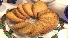 Smakfulle havrekjeks som er enkle å lage. Og om du treng gavetips til dei som har alt: Fyll ein boks eller ei krukke med heimelaga kjeks. Low Carb Pizza, Recipe Boards, Bagel, Cookie Recipes, Food And Drink, Cookies, Baking, Breakfast, Healthy