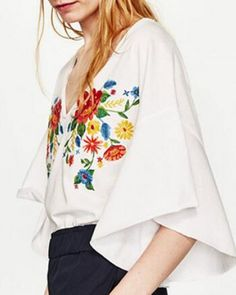 Flower t shirt with embroidery deep v neck trumpet sleeve for women