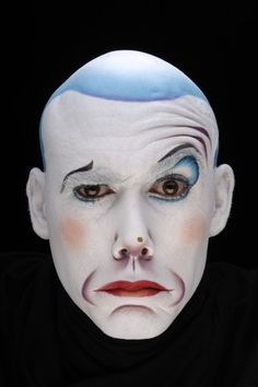 La Nouba by Cirque du Soleil. Intriguing make-up.