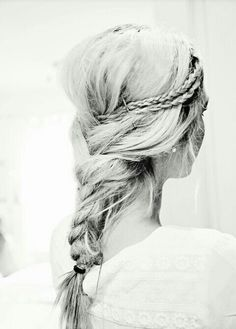 Braids into a braid