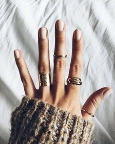 Fashion Jewelry pin↠ Natural manicure w/ nontoxic polish, gold rings and a chunky sweater = fall favorites. pin↠ manicure w/ Piercings, Jewelry Accessories, Fashion Accessories, Fashion Jewelry, Cheap Jewelry, Gold Jewelry, Pearl Jewelry, Jewelry Logo, Vintage Accessories