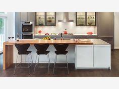 Modern Kitchen Design - isola con tavolo