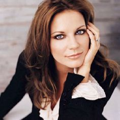 Martina McBride My Valentine One of the most amazing love songs of country music! I love you Martina. Country Female Singers, Country Music Artists, Country Music Stars, Country Musicians, Country Women, Country Girls, American Country, Dr Hook, Martina Mcbride