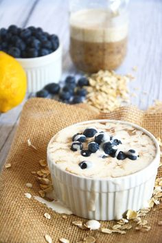 Overnight Blueberry Lemon Cheesecake Oats | #oatmeal #glutenfree #cheesecake