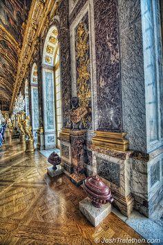 Versailles Palace, Hall of Mirrors - Paris, France**.