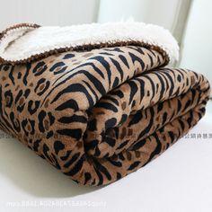 29.36$  Buy here - https://alitems.com/g/1e8d114494b01f4c715516525dc3e8/?i=5&ulp=https%3A%2F%2Fwww.aliexpress.com%2Fitem%2F900g-Fashion-Leopard-blankets-Luxury-Flannel-lamb-Double-layer-thickening-Blanket-adults-winter-warm-throw-blanket%2F32752590164.html - 900g Fashion Leopard blankets Luxury Flannel&lamb Double layer thickening Blanket adults winter warm throw blanket For Bed/sofa
