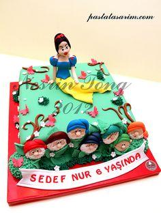 SNOW WHITE PRINCES CAKE by CAKE BY NESRİN TONG, via Flickr Snow White Cake, Snow White Prince, Prince Cake, Cupcake Cakes, Cupcakes, Creative Cakes, Disney Princesses, Cake Pops, Cake Decorating