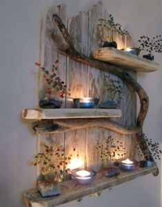 Paletten- und Treibholzregale; Mit getrockneten Blumen, Kerz